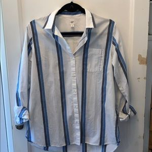 EUC GAP Cross Button Boyfriend Shirt, Size XS